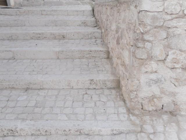 Pietra rivestimento, la pietra bianca, sarra marmi (aq)
